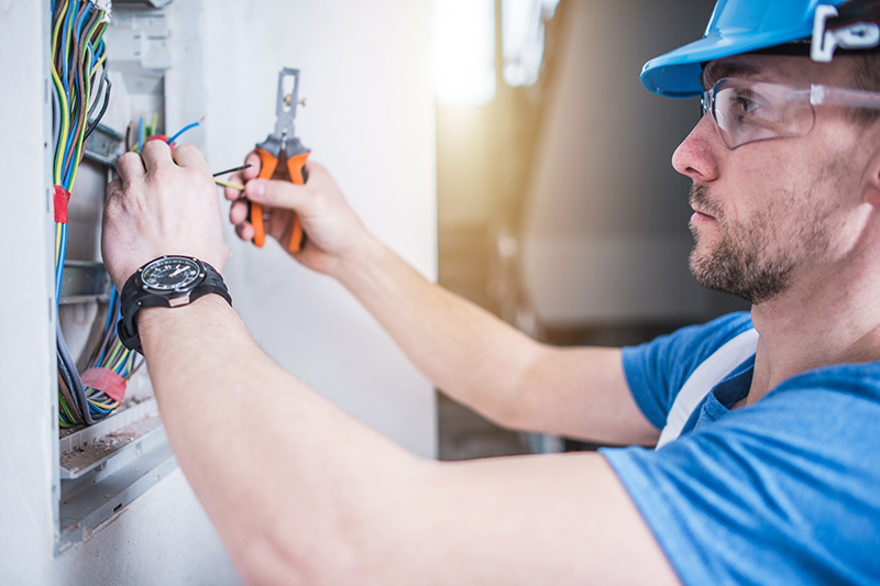 Electrician Qualifications in Bracknell Berkshire