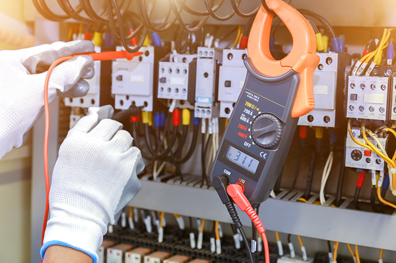 How To Become An Electrician in Bracknell Berkshire